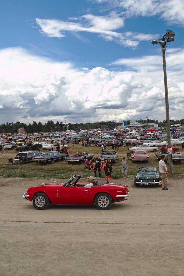 Convertível vermelho na feira automóvel imagens de stock
