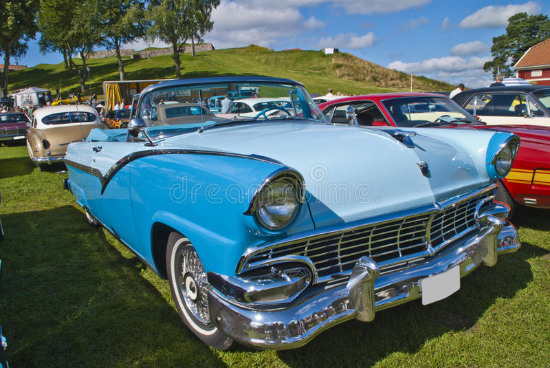 Convertible 1956 do fairlane de Ford fotografia de stock