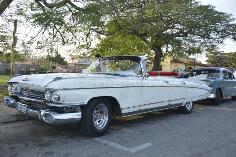 Convertible de cadillac do clássico dos carros 1959 de Cuba fotografia de stock royalty free