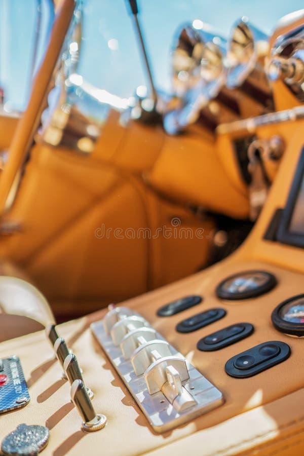 Convertible de Chevrolet Chevy Impala na feira automóvel foto de stock royalty free