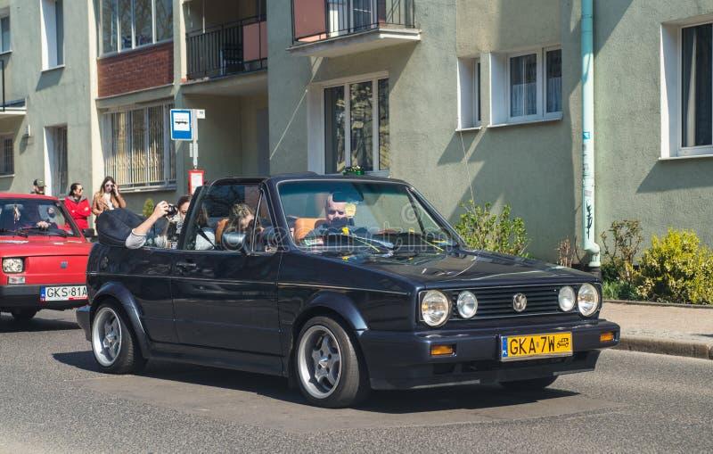 Convertible de Volkswagen Golf de cru sur se réunir de voitures de vétéran images stock