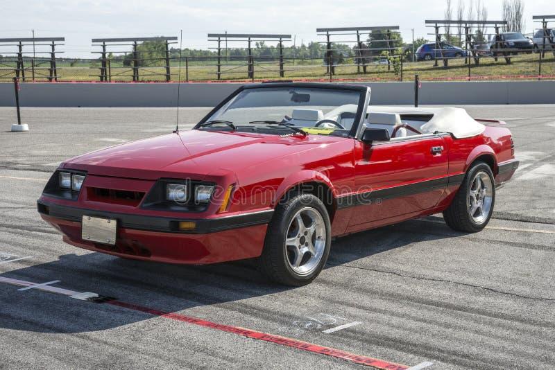 Convertible del mustango de Ford imagen de archivo