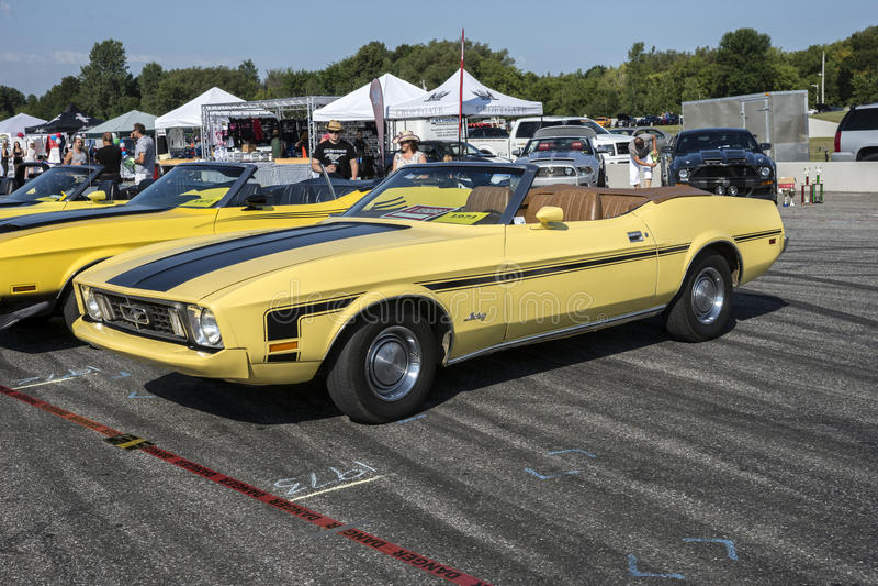 convertible 1972 do mustang imagem de stock royalty free