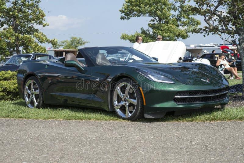 Convertible verde de Chevrolet Corvette foto de stock