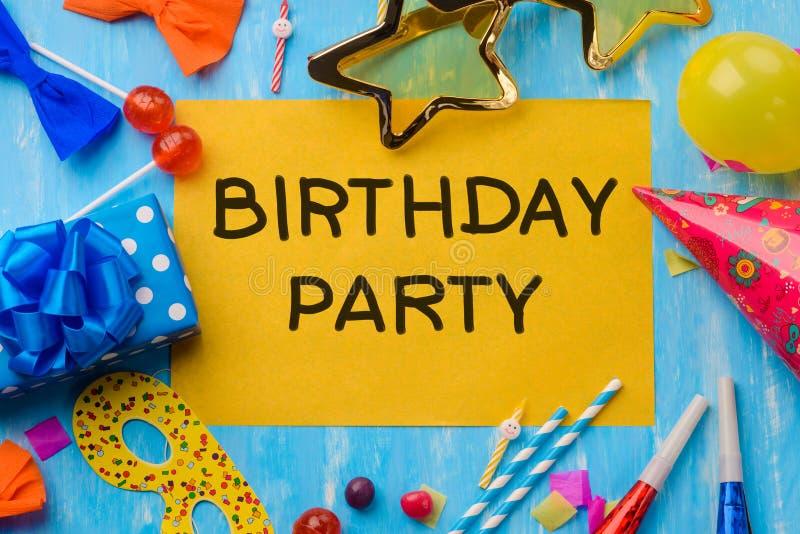 Convite engraçado da festa de anos imagens de stock royalty free