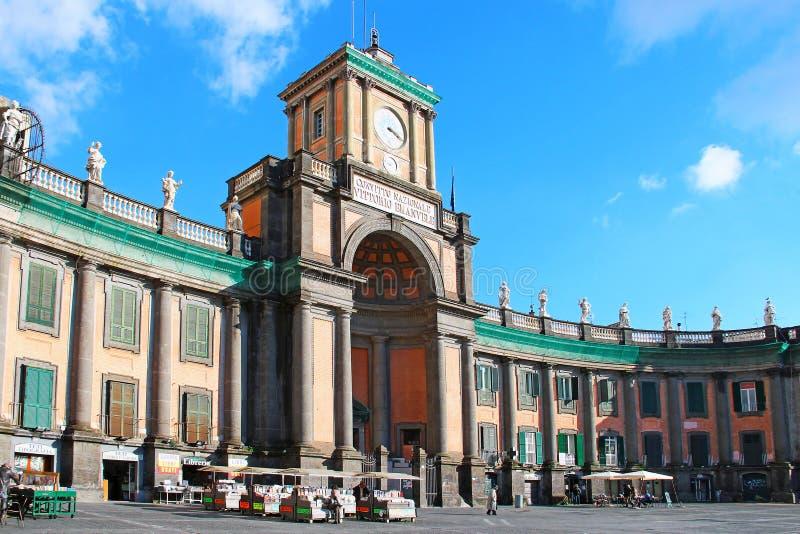 Convitto Nazionale Vittorio Emanuele, Dante-vierkant, Napels, Italië stock foto's