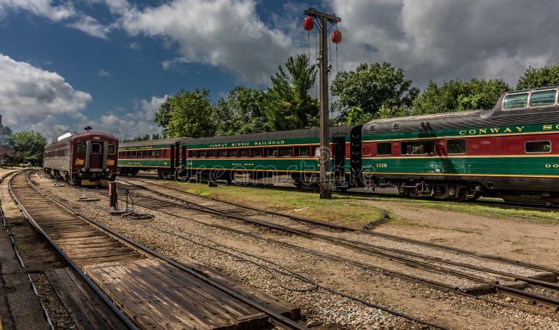 Conway Scenic Railroad norr Conway fotografering för bildbyråer