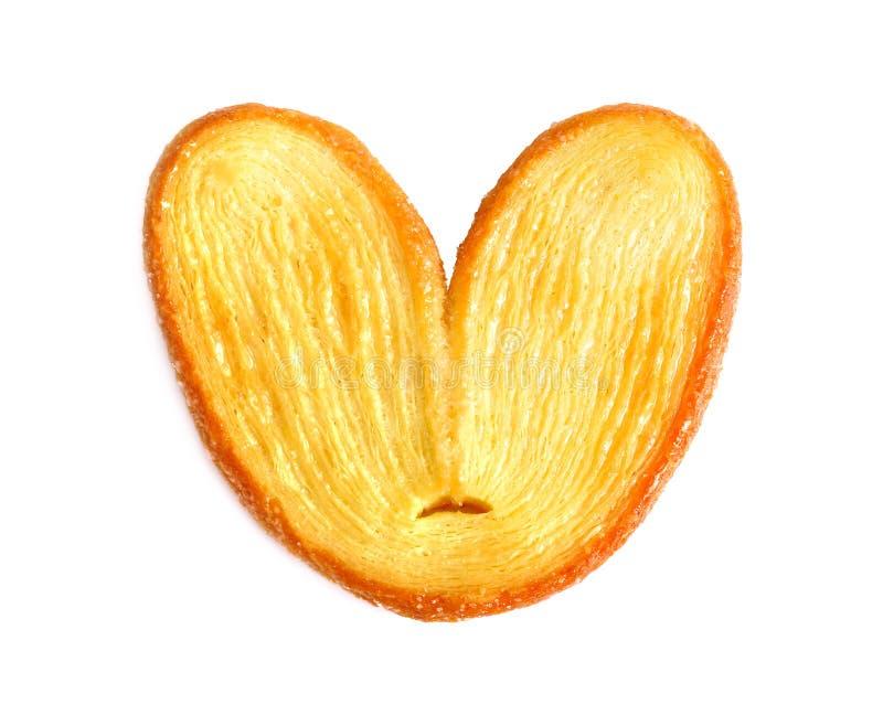 Cookie da massa folhada Coração ou torta friável da borboleta no fundo branco fotografia de stock royalty free