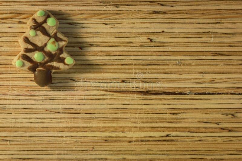 Cookie do Natal no fundo de madeira foto de stock