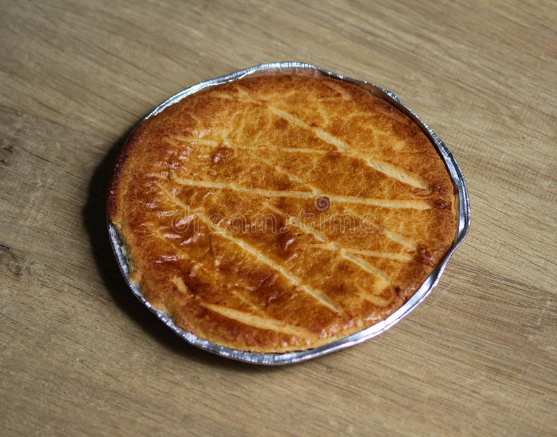 Cookie holandesa Selfmade de Boterkoek do bolo da manteiga, fresco cozida do forno Indicado no fundo de madeira imagens de stock royalty free