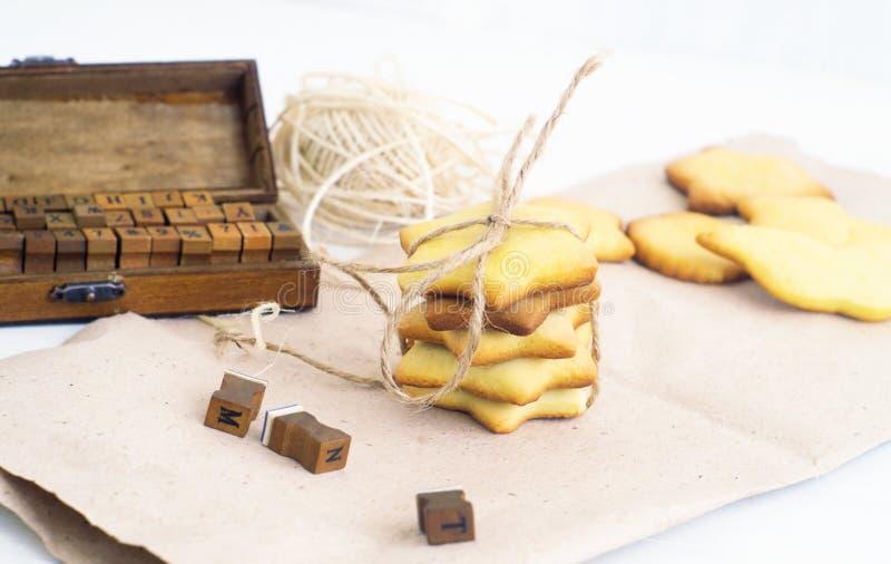 Download Cookies imagen de archivo. Imagen de leche, caramelos - 41918439