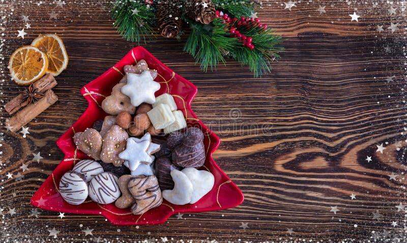 Cookies alemãs do Natal pelo tempo do Natal imagens de stock royalty free