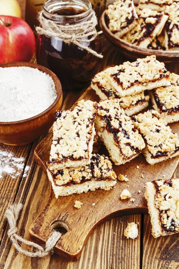 Download Cookies Caseiros Com Doce Do Fruto Imagem de Stock - Imagem de dessert, prato: 65579697