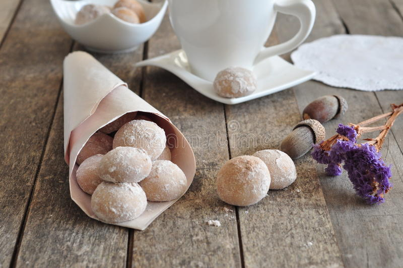 Cookies com canela e avelã imagens de stock royalty free