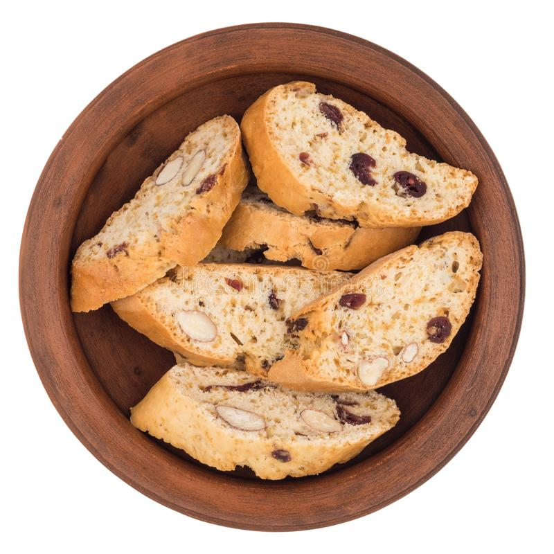 Cookies com passas em uma placa cerâmica Isolado no backg branco foto de stock royalty free