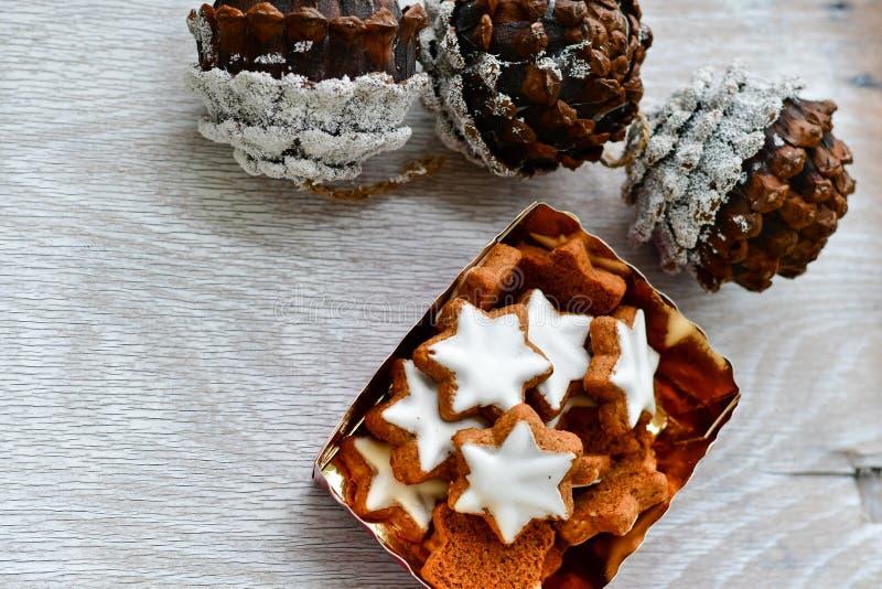 Cookies da estrela do Natal imagem de stock royalty free