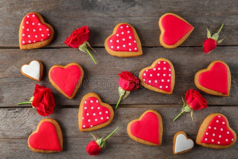 Cookies do coração do Valentim imagens de stock royalty free