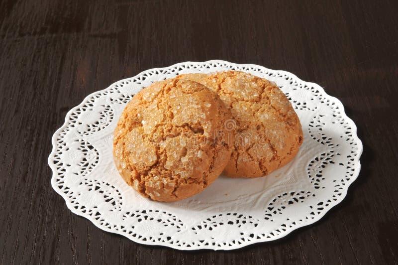 Cookies em um doily imagens de stock