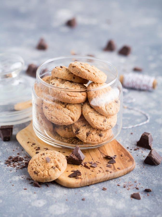 Cookies em um frasco de vidro imagem de stock royalty free