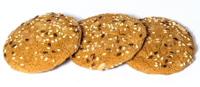 Cookies frescas caseiros saborosos da aveia isoladas imagem de stock