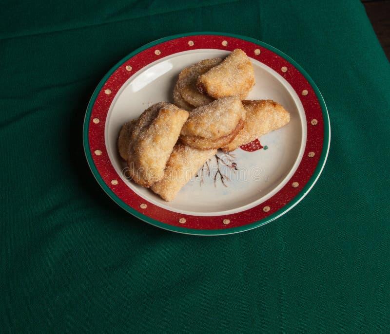 Cookies met frambozenjam stock foto's