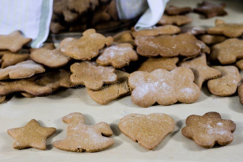 Cookies saborosos e deliciosas do pão-de-espécie para o Natal Natal foto de stock royalty free