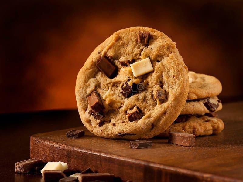 Cookies triplas do pedaço do chocolate imagem de stock royalty free