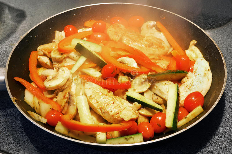 Download Cooking Chicken And Vegetables Stock Image - Image: 32105299