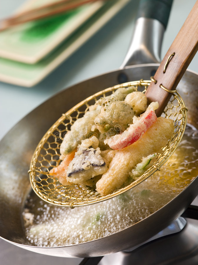 Free Cooking Tempura Of Vegetables In A Wok Stock Photos - 5358193