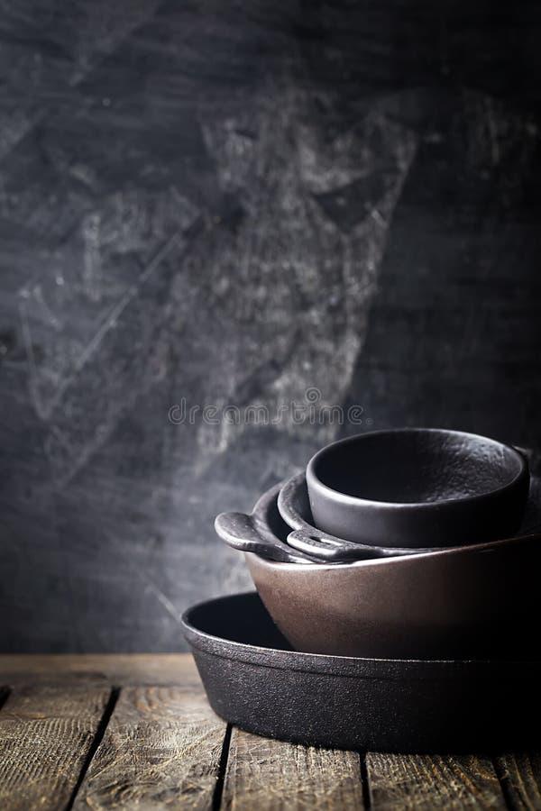 Cookware del arrabio  fotos de archivo