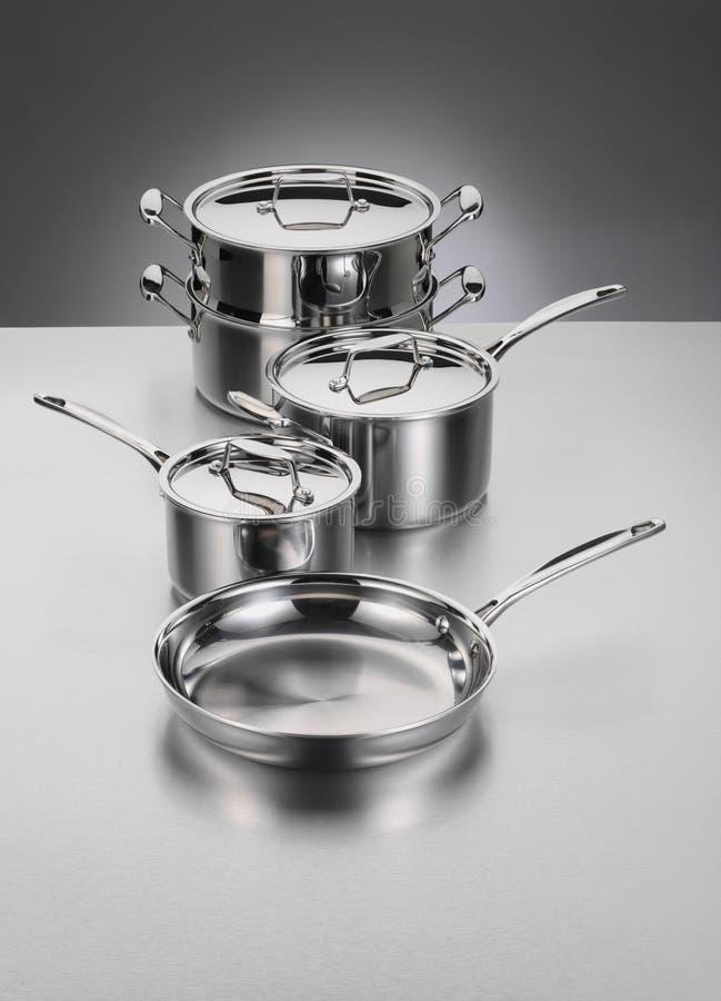cookwarerostfritt stål royaltyfria foton