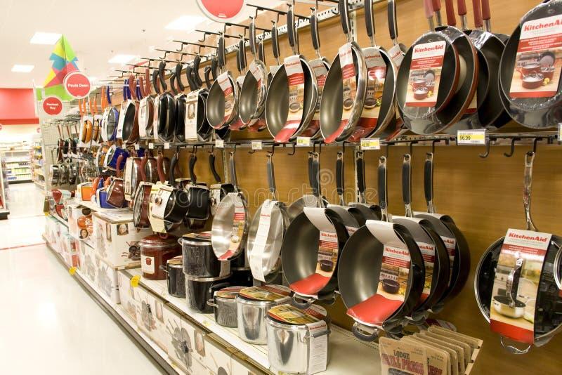 Cookwares dans le commerce au détail photos libres de droits