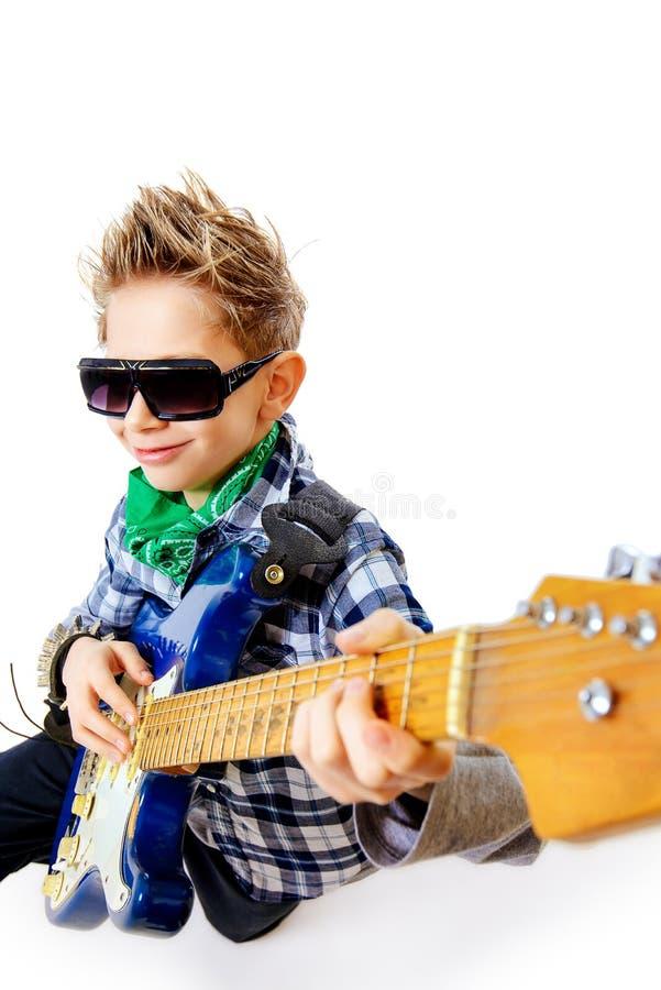 cool guitar kid fotografering för bildbyråer