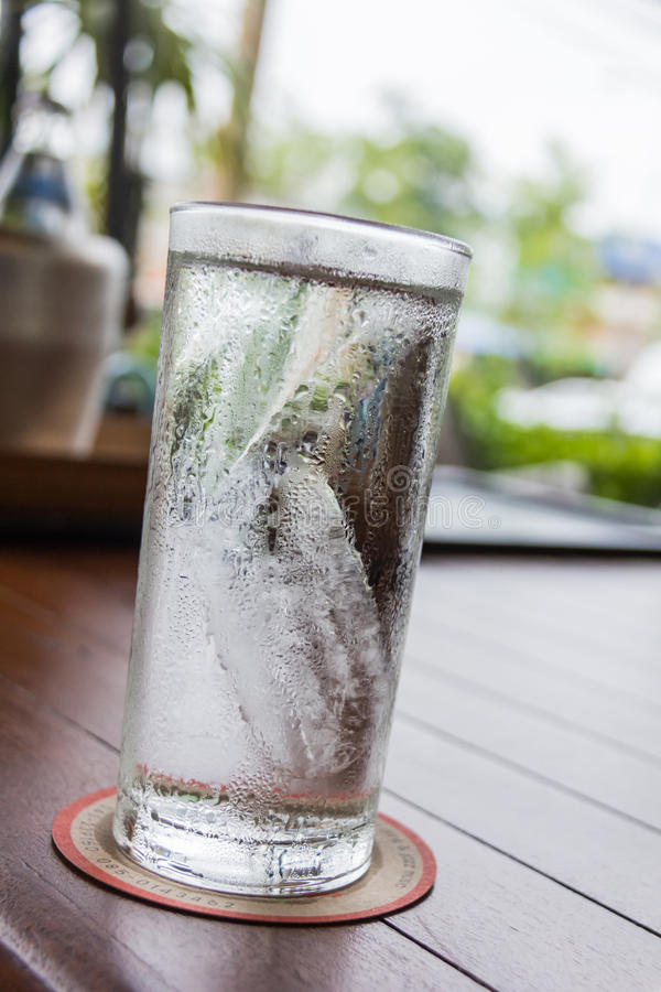 Free Cool Pure Water In Glass Royalty Free Stock Image - 73775596