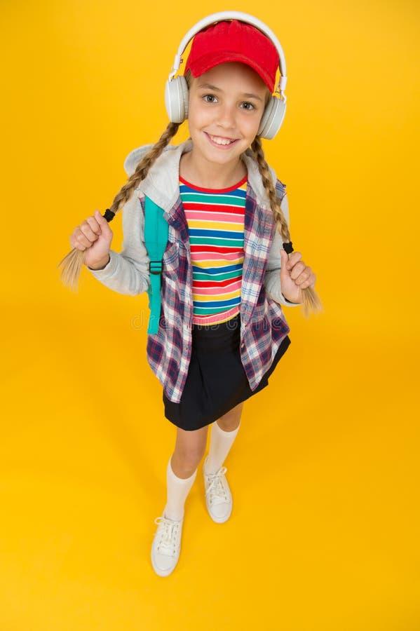Cool schoolmeisje Teens-mode Levenswijze van tieners Schooldagen Moderne tiener Fijne jeugd Cute hipster teenager royalty-vrije stock afbeeldingen