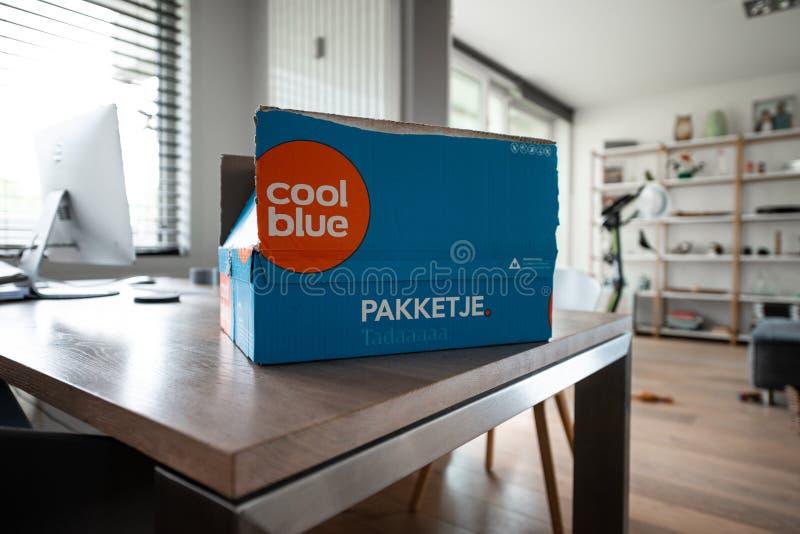 Coolblue packeleverans arkivbilder