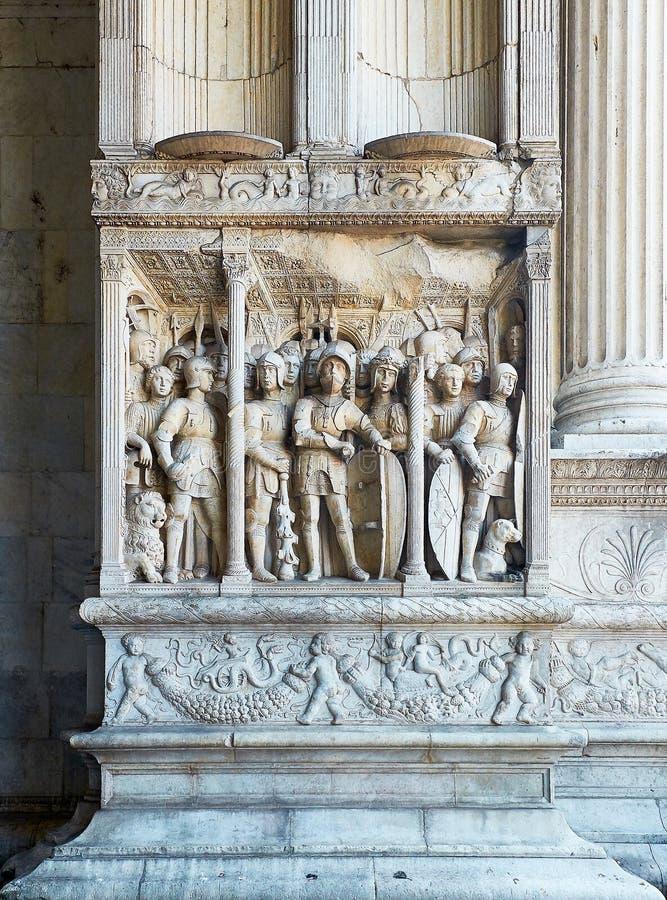 Coordonnée de voûte triomphale de Castel Nuovo, Maschio Angioino de Naples photo stock