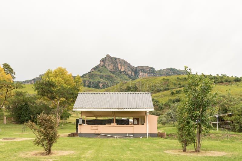 Copa e cozinha no local de acampamento de Mahai imagem de stock royalty free