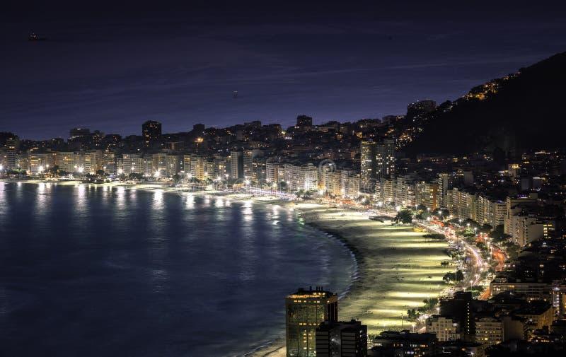 Copacabana plaża przy nocą w Rio De Janeiro obraz royalty free