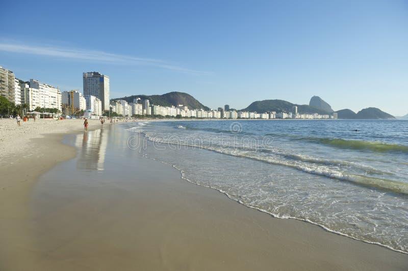 Copacabana-Strand-Morgen Rio de Janeiro Brazil lizenzfreies stockfoto