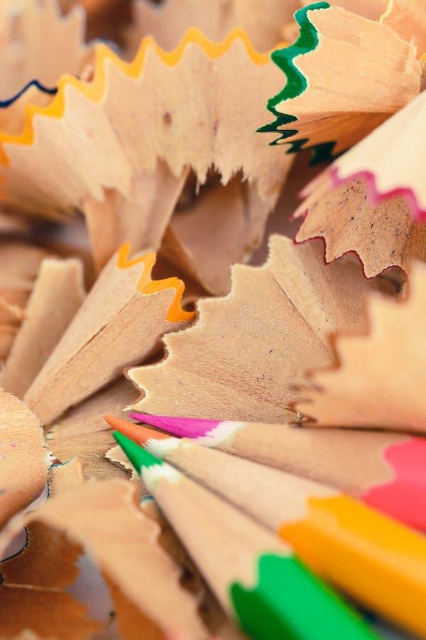 Copeaux en pastel colorés de crayon photos libres de droits
