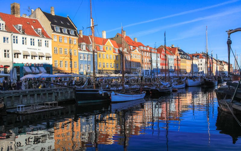 Download Copenhagen Nyhavn - New Harbour Bank Editorial Stock Image - Image: 28019564