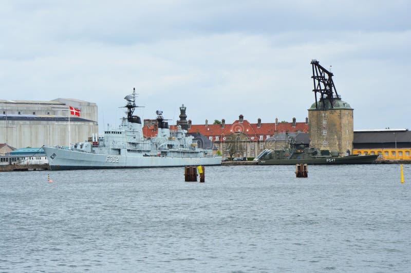 COPENHAGUE, DINAMARCA - 31 DE MAYO DE 2017: HDMS Peder Skram F352 era una fragata de la Skram-clase de Peder en la marina de guer fotografía de archivo
