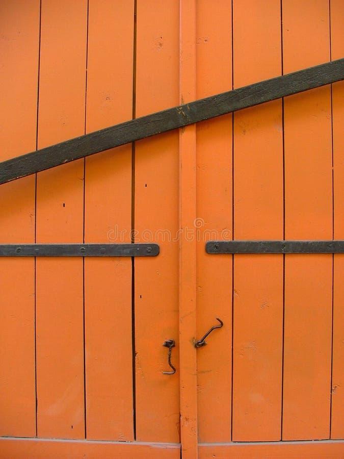Download Coperchi della finestra immagine stock. Immagine di residenziale - 202989
