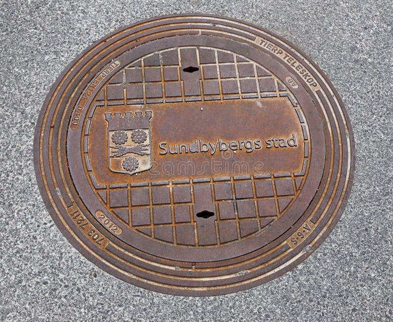 Coperchio della botola della città di Sundbyberg fotografia stock libera da diritti