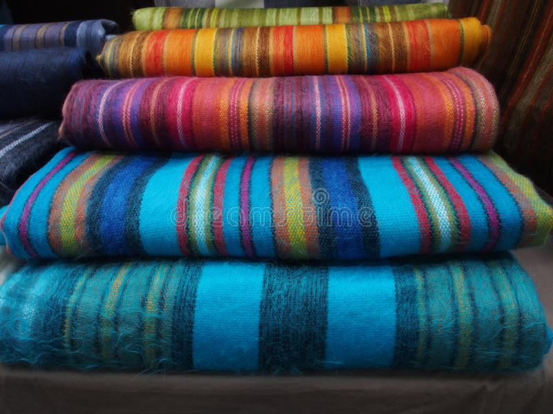 coperte colouful dell'alpaga al mercato di Spitalfields, fotografia stock