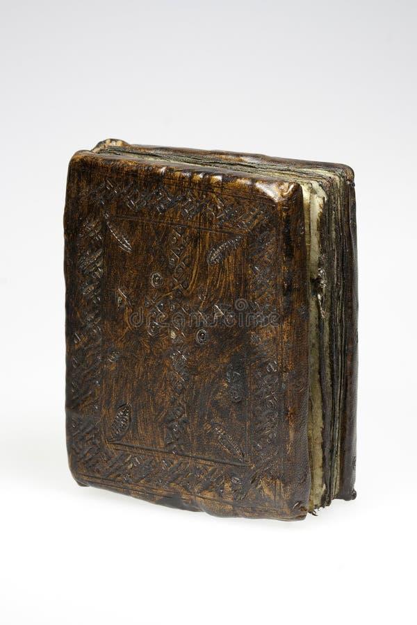 Copertina di libro di cuoio di un manoscritto antico fotografia stock