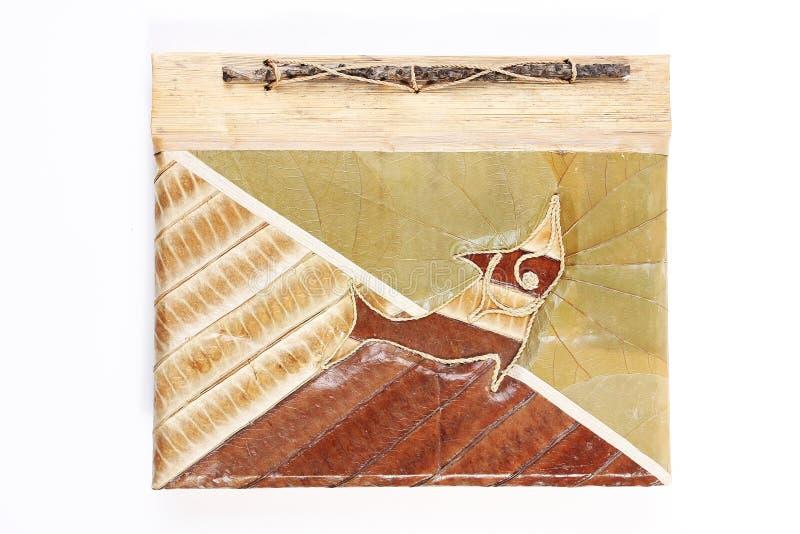 Copertina di libro fatta dai fogli delle piante immagini stock