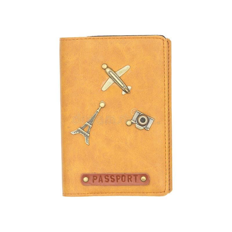 Copertura sull'isolato del passaporto su fondo bianco Copertura di cuoio internazionale del passaporto con la decorazione degli o fotografie stock libere da diritti