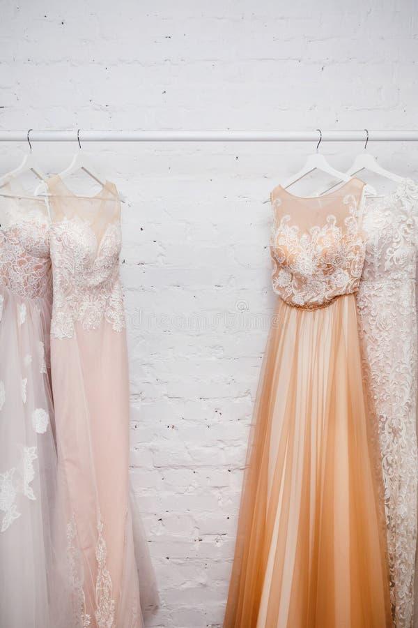 Copie los vestidos de boda del espacio fotografía de archivo